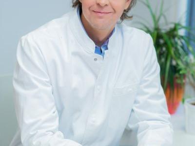 Dr Siim Simmo